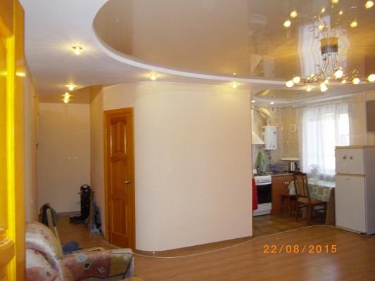 2-комнатная квартира посуточно в Северодонецке. ул. Менделеева, 34. Фото 1
