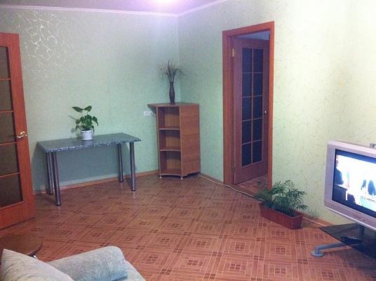 2-комнатная квартира посуточно в Симферополе. Железнодорожный район, ул. Гагарина, 16а. Фото 1
