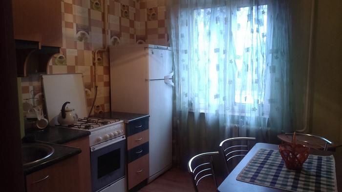 2-комнатная квартира посуточно в Ровно. ул. Грушевского, 38. Фото 1