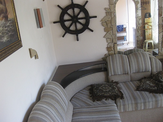 1-комнатная квартира посуточно в Одессе. Приморский район, Лермонтовский пер, 7. Фото 1