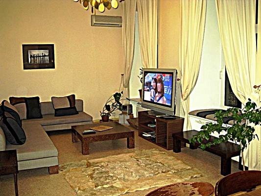 2-комнатная квартира посуточно в Киеве. Шевченковский район, ул. Софиевская, 17. Фото 1