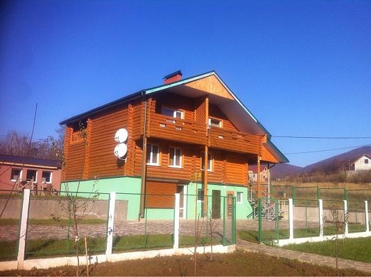 Дом  посуточно в Мукачево. ул. Лесная, 7. Фото 1