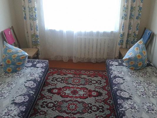 2-комнатная квартира посуточно в Миргороде. ул. Гоголя, 88. Фото 1