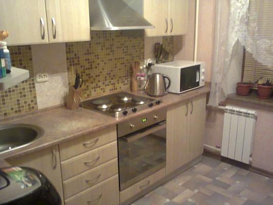 2-комнатная квартира посуточно в Энергодаре. ул. Молодежная (Комсомольская), 89. Фото 1