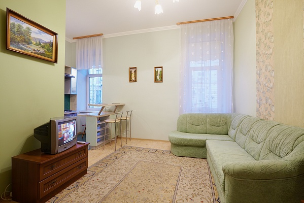 1-комнатная квартира посуточно в Львове. Галицкий район, ул. Ивана Франко, 2. Фото 1