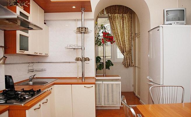 3-комнатная квартира посуточно в Киеве. Голосеевский район, ул. Саксаганского, 59Б. Фото 1