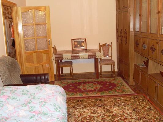 1-комнатная квартира посуточно в Львове. Сиховский район, ул. Трильовского, 16. Фото 1