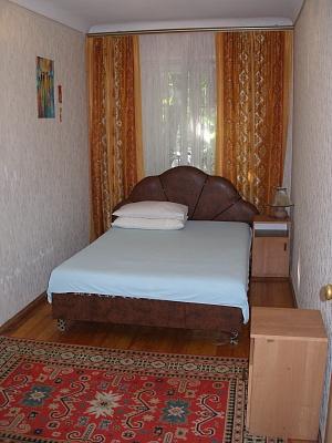 2-комнатная квартира посуточно в Запорожье. Ленинский район, Лобановского (Спортивная), 4. Фото 1
