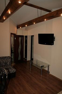 1-комнатная квартира посуточно в Ялте. Рузвельта. Фото 1