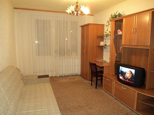 1-комнатная квартира посуточно в Харькове. Фрунзенский район, Салтовское шоссе, 256. Фото 1