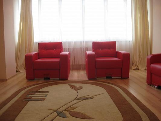 2-комнатная квартира посуточно в Львове. Лычаковский район, ул. Лычаковская, 60. Фото 1