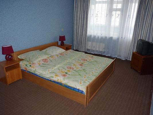 1-комнатная квартира посуточно в Черкассах. ул. Героев Днепра, 51. Фото 1