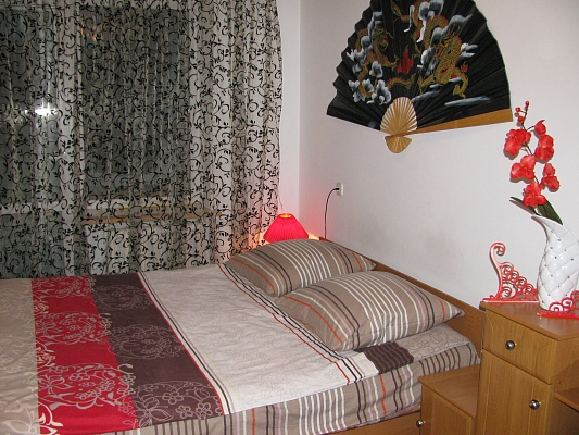 3-комнатная квартира посуточно в Луцке. ул. Вавилова, 5. Фото 1