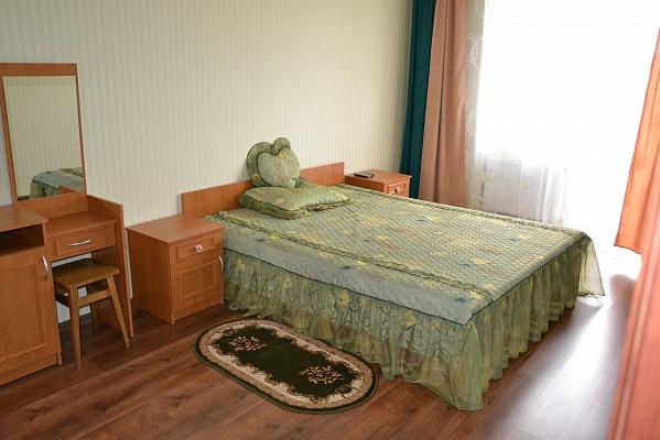 2-комнатная квартира посуточно в Львове. Франковский район, ул. Наукова, 2в. Фото 1