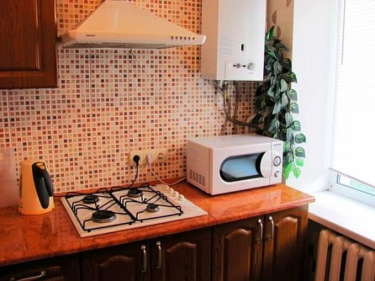 1-комнатная квартира посуточно в Луганске. Ленинский район, ул. Демёхина, 22. Фото 1