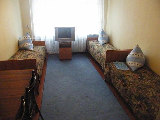 Комната  посуточно в Каменце-Подольском. ул. Тимирязева, 111. Фото 1