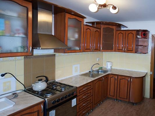 2-комнатная квартира посуточно в Трускавце. ул. Стебницкая, 62. Фото 1