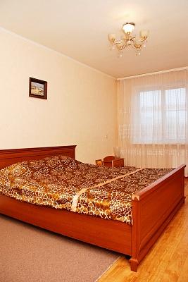 2-комнатная квартира посуточно в Киеве. Святошинский район, ул. Якуба Колоса, 21. Фото 1