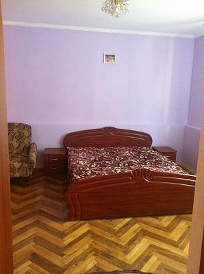 Дом  посуточно в Трускавце. ул. Садовая, 9. Фото 1