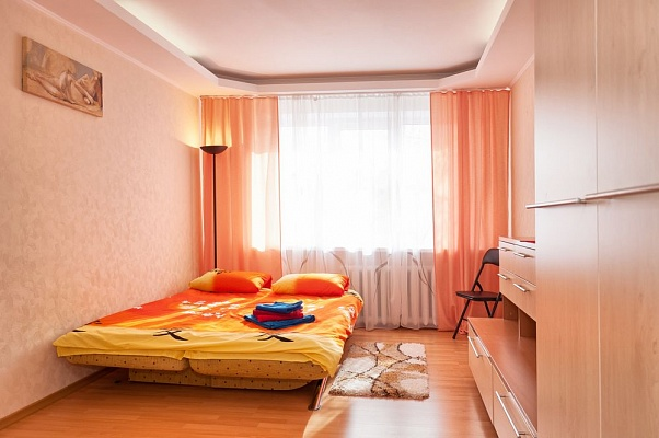 2-комнатная квартира посуточно в Киеве. Шевченковский район, ул. Дегтяревская, 26. Фото 1