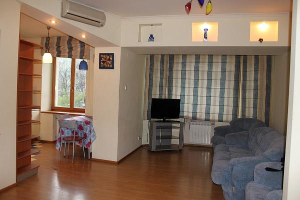 1-комнатная квартира посуточно в Днепропетровске. Бабушкинский район, пр-т Д.Яворницкого (Карла Маркса), 46. Фото 1