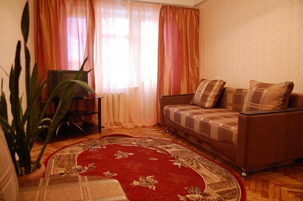 1-комнатная квартира посуточно в Киеве. Святошинский район, ул. Щербакова, 61. Фото 1