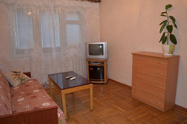 1-комнатная квартира посуточно в Ялте. ул. Московская, 49. Фото 1