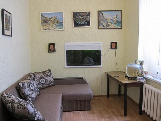 2-комнатная квартира посуточно в Евпатории. пер. Лукичева, 7. Фото 1