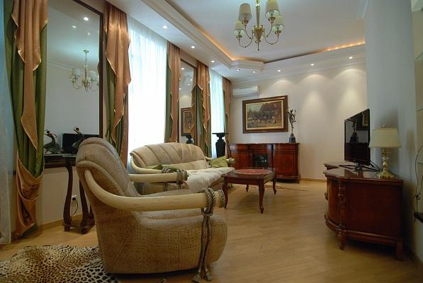 2-комнатная квартира посуточно в Киеве. Шевченковский район, Пушкинская, 10а. Фото 1