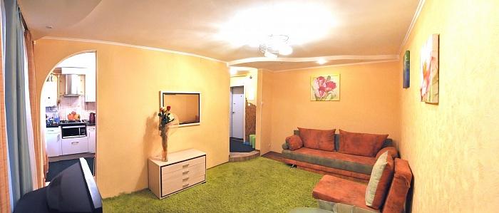 2-комнатная квартира посуточно в Николаеве. Заводской район, ул. Мореходная, 5. Фото 1