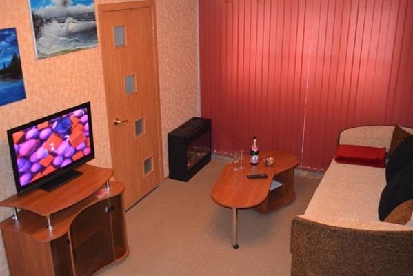 3-комнатная квартира посуточно в Кривом Роге. Саксаганский район, ул. Курчатова, 9. Фото 1