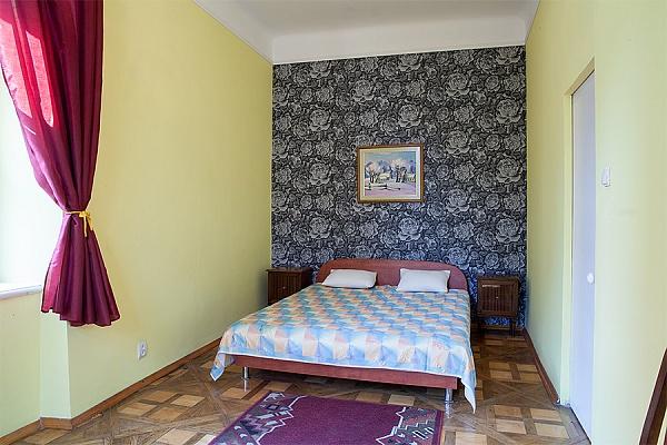 2-комнатная квартира посуточно в Львове. Галицкий район, ул. Староеврейская, 3. Фото 1