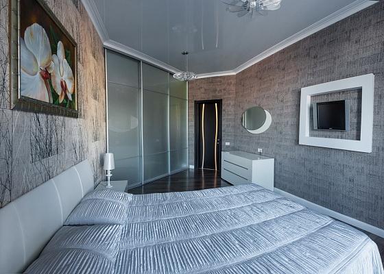 2-комнатная квартира посуточно в Одессе. Приморский район, Военный спуск, 5а. Фото 1