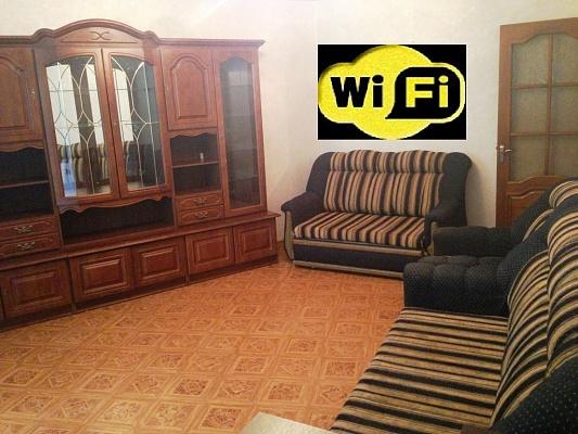 2-комнатная квартира посуточно в Симферополе. Киевский район, ул. Беспалова, 2. Фото 1