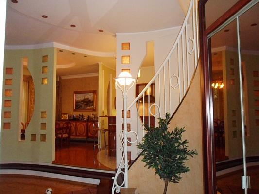 3-комнатная квартира посуточно в Одессе. Приморский район, ул. Гимназическая, 26. Фото 1
