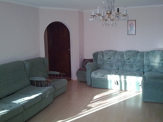 1-комнатная квартира посуточно в Донецке. Киевский район, ул. Артема, 148. Фото 1