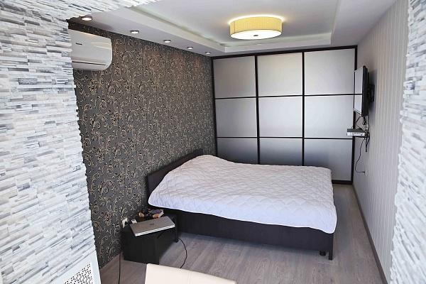 2-комнатная квартира посуточно в Киеве. Печерский район, б-р Леси Украинки, 9. Фото 1