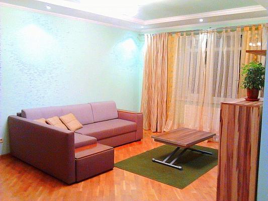 2-комнатная квартира посуточно в Львове. Лычаковский район, ул. Тракт Глинянский, 55. Фото 1