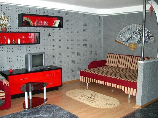 1-комнатная квартира посуточно в Полтаве. Октябрьский район, ул. Гагарина, 7а. Фото 1