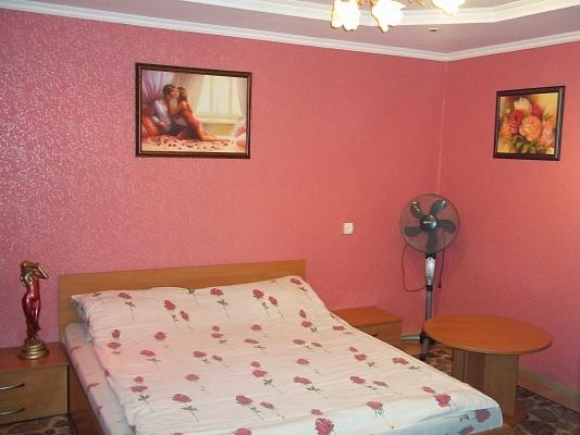1-комнатная квартира посуточно в Ровно. ул. Киевская, 65. Фото 1
