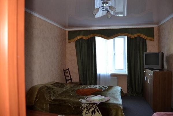 1-комнатная квартира посуточно в Умани. ул. Комарова, 21 а. Фото 1