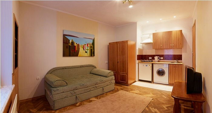 1-комнатная квартира посуточно в Львове. Галицкий район, ул.Староеврейская, 11. Фото 1