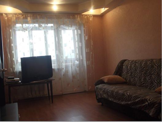 2-комнатная квартира посуточно в Симферополе. Центральный район, ул. Самокиша, 4. Фото 1