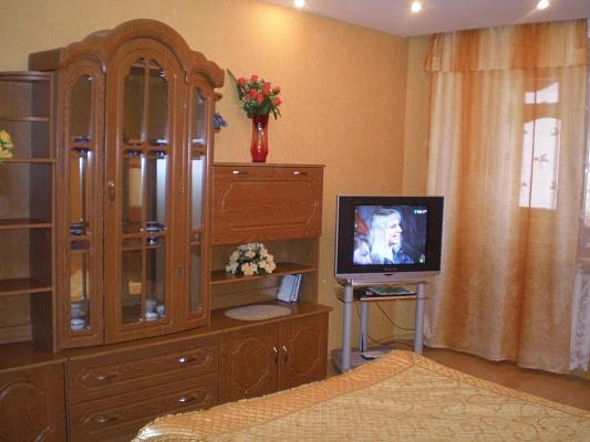1-комнатная квартира посуточно в Белой Церкви. ул. Дачная, 37. Фото 1