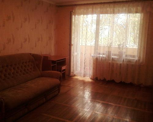 1-комнатная квартира посуточно в Бердянске. ул. Мазина, 25. Фото 1