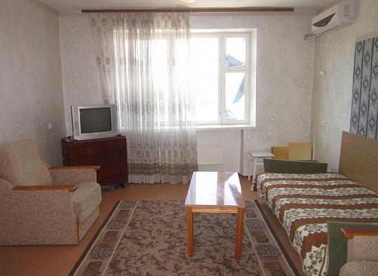 1-комнатная квартира посуточно в Миргороде. ул. Панаса Мирного, 22. Фото 1