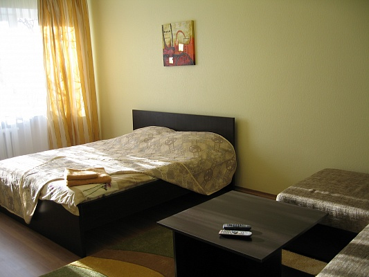 1-комнатная квартира посуточно в Ровно. ул. С.Крушельницкой, 73. Фото 1