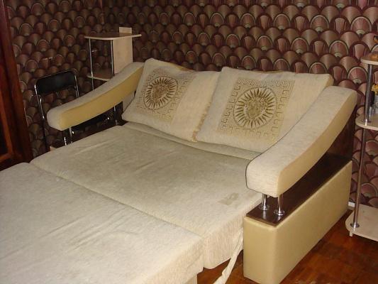 2-комнатная квартира посуточно в Житомире. ул. Киевская, 96. Фото 1