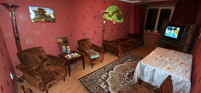 3-комнатная квартира посуточно в Алупке. ул. Скрипника, 23. Фото 1