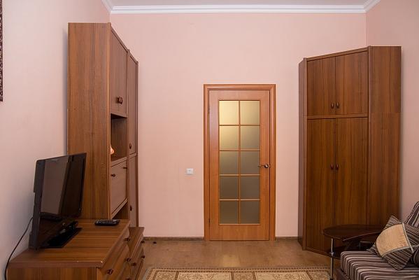 1-комнатная квартира посуточно в Львове. Зализнычный район, вул. Декарта, 22. Фото 1